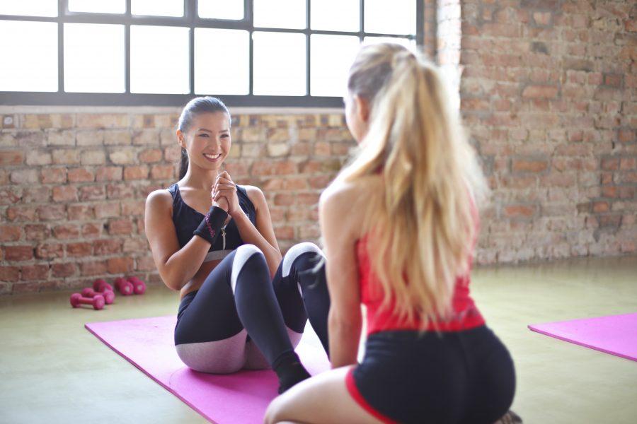 Γιατί δεν είναι σωστό να λέμε στο Pilates «τώρα θα κάνουμε ασκήσεις για κοιλιακούς»