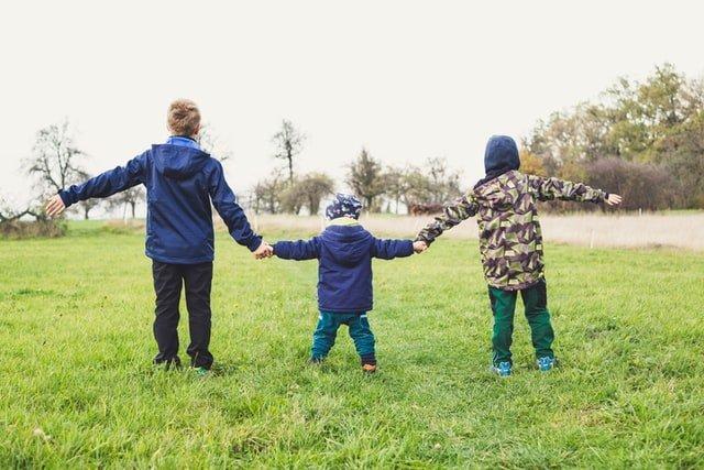 5 ωφέλιμες δραστηριότητες στη φύση για τα παιδιά