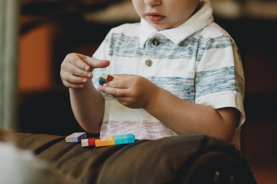 Πώς θα καταλάβεις αν ένα παιδί χρειάζεται  εργοθεραπεία;
