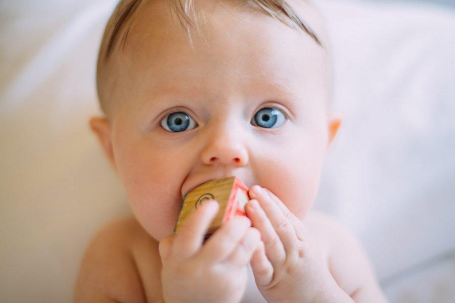 Πιπίλες, «πιπίλισμα» δακτύλου και άλλες μη θρεπτικές στοματικές συνήθειες