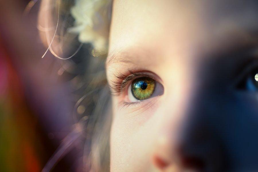 Όρια: Από την οριοθέτηση της παιδικής ηλικίας σε μια ανεξάρτητη ενηλικίωση