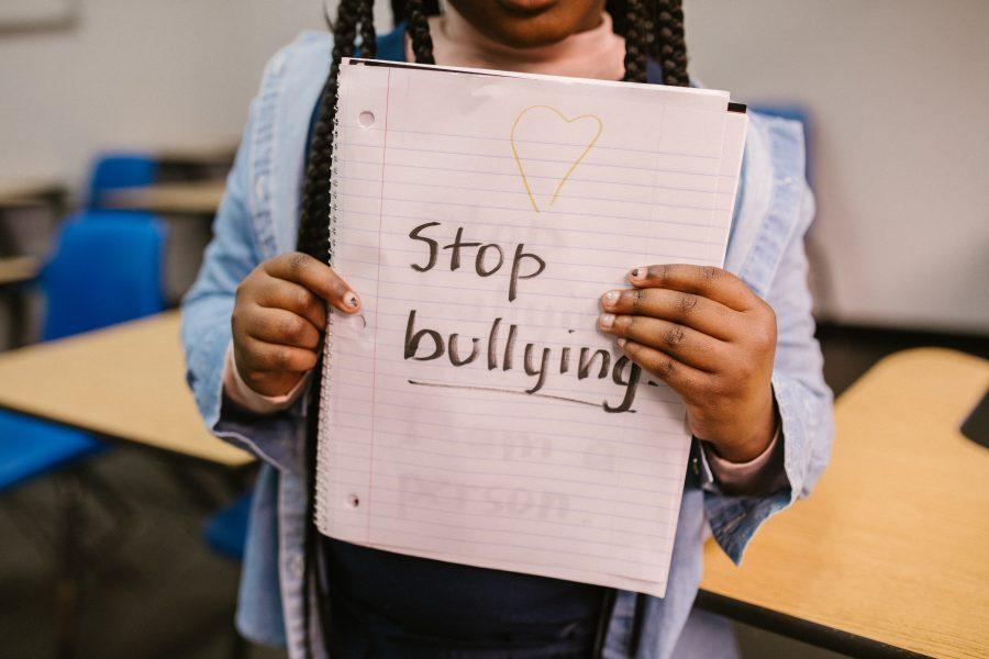 Σχολικός Εκφοβισμός: Πώς θα καταλάβει ο γονιός ότι το παιδί του εκφοβίζεται; Οδηγίες για παιδιά & Γονείς