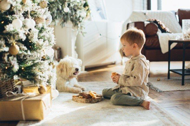 Κάθισμα σε θέση W παιδί με σκύλο