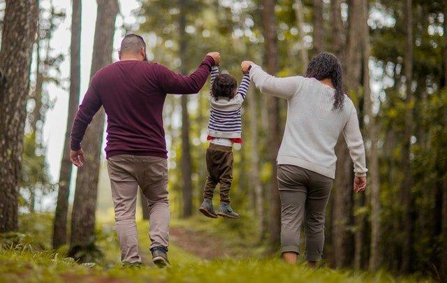 Αποτελεσματική γονεϊκότητα: 8 Πολύτιμες Συμβουλές για γονείς