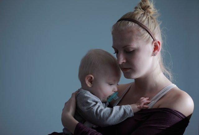 Διαχείριση συναισθημάτων μπροστά στο παιδί σε περίοδο κρίσης