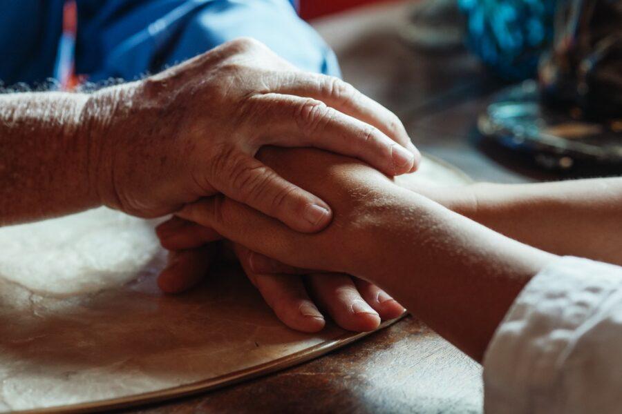 Άνοια (Dementia): Συμπτώματα και Τρόποι Αντιμετώπισης